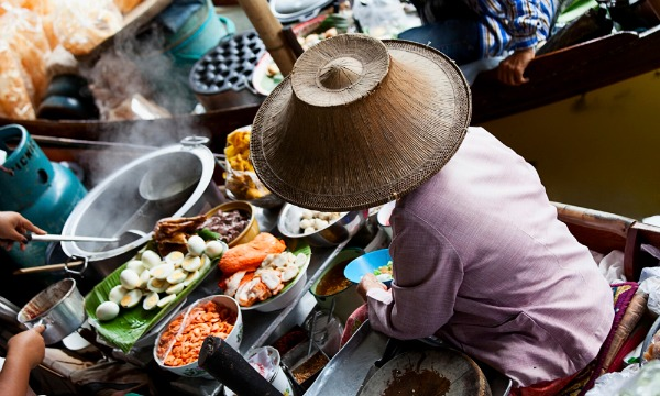 floating-market-in-bangkok-thailand.jpg