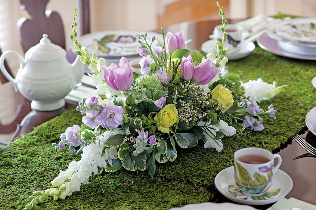 17 Tablescapes To Try This Easter