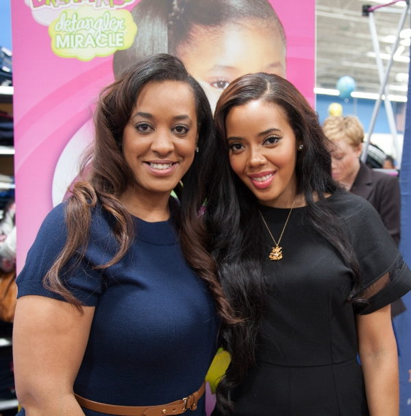 Strength-of-Nature-Global-Marketing-Director-Charlene-Bastien-Dance-takes-a-pic-with-Angela-Simmons